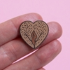 Image sur Pin - Vulva Heart brown